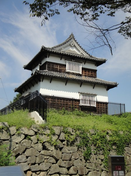 Japanese Castle Explorer - Fukuoka Castle - 福岡城